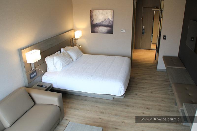 modernus-klasikiniai-skandinavisko-stiliaus-baldai-viesbuciams