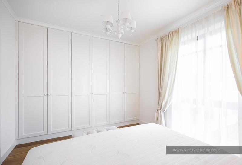 klasikiniai-miegamojo-baldai