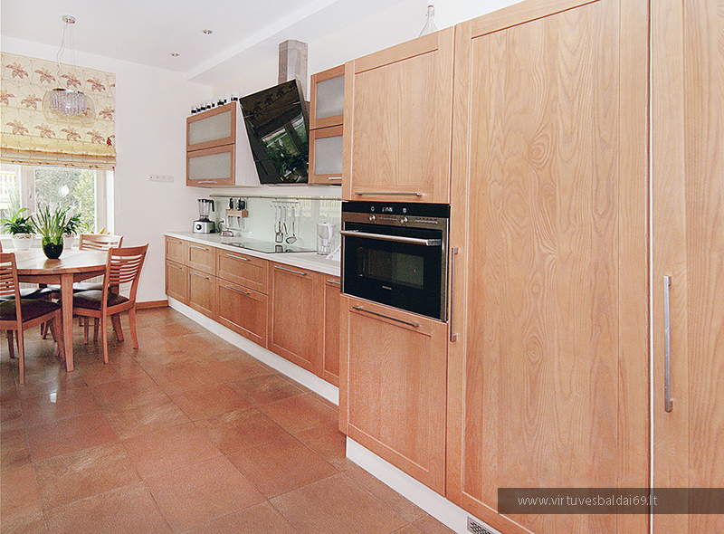 moderni-virtuves-iranga1