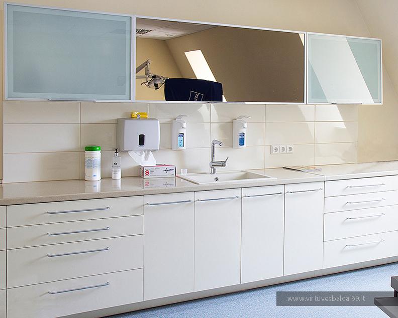 medicinos-laboratoriju-baldai
