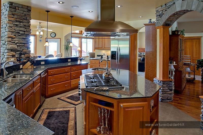medzio-masyvo-virtuves-baldai