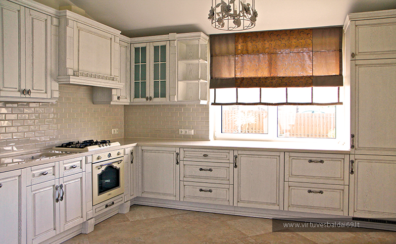 provanso-stiliaus-virtuves-baldai